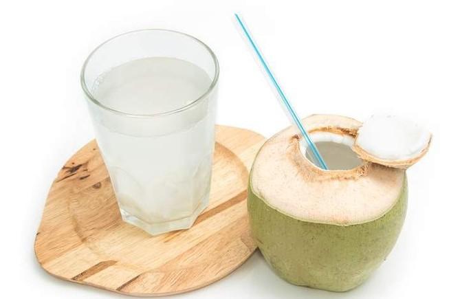 Thời điểm vàng nên uống nước dừa