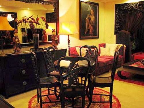 Phòng khách cổ kính