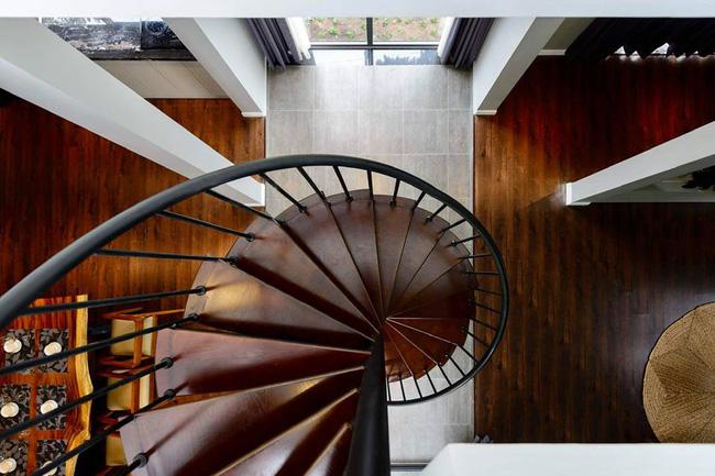 Cầu thang vô cùng mỹ thuật