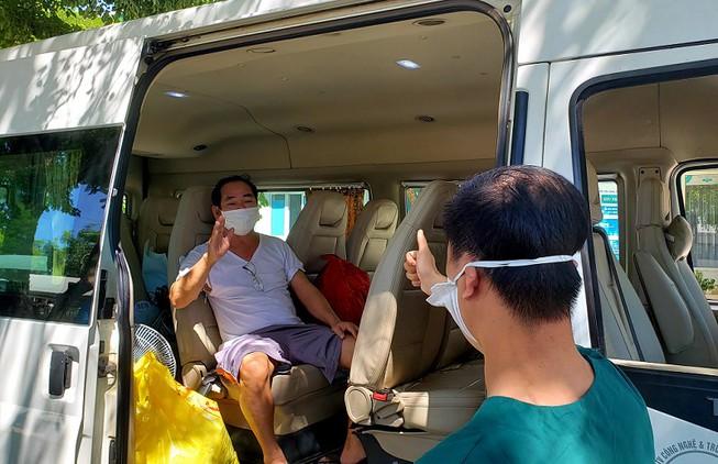 Bệnh nhân 936 là trường hợp điều trị Covid-19 cuối cùng tại Bệnh viện dã chiến Hòa Vang đã khỏi bệnh và đủ điều kiện xuất viện