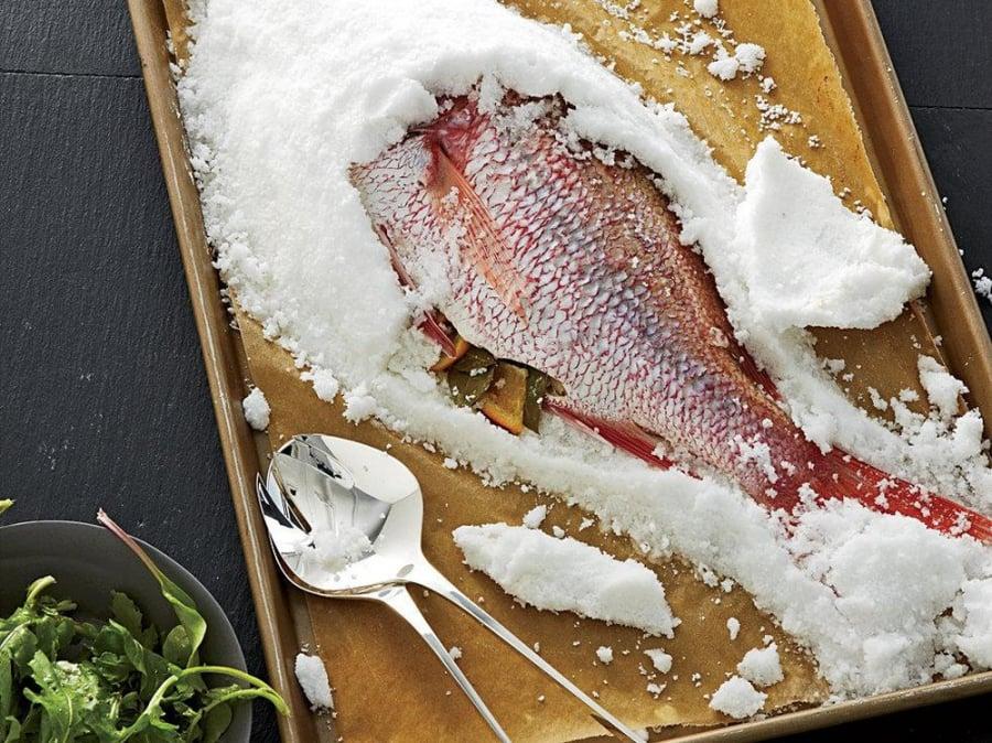 Cá muối đồ ăn nhiều muối khiến trẻ thấp lùn