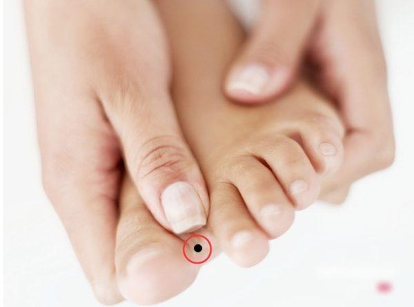 Nốt ruồi ở chân mang lại nhiều may mắn hút tài lộc