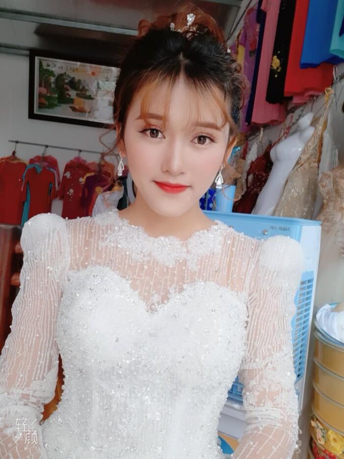 Cô dâu Nguyễn Minh Thủy.