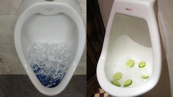 Rất nhiều người đã thử đổ đá lạnh vào bồn cầu và công nhận hiệu quả của mẹo này.