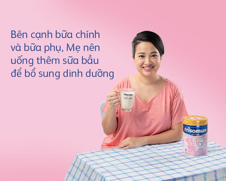 Bên cạnh bữa chính và bữa phụ, mẹ có thể uống thêm sữa bầu để bổ sung đủ dinh dưỡng.
