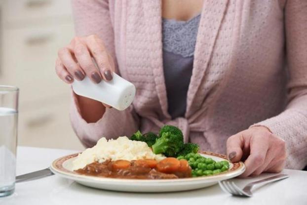 Không cho mì chính vào các món nộm, thực ăn nguội