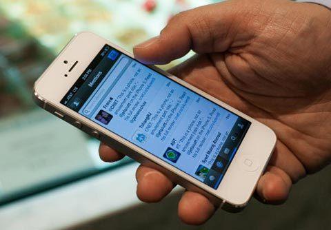 20140103140933-smartphone
