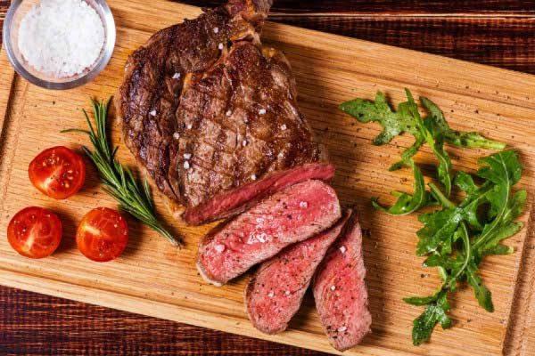 Không ăn thịt bò khi bị gout