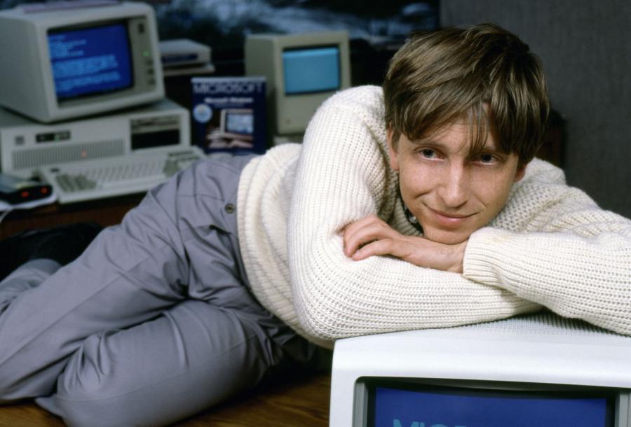 Bill Gates không hề có tấm bằng đại học. Dù khó chấp nhận điều này nhưng cha mẹ ông vẫn ủng hộ con làm những gì bản thân muốn.