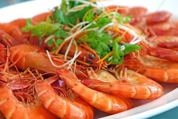 thuc-pham-co-ham-luong-cholesterol-cao-01