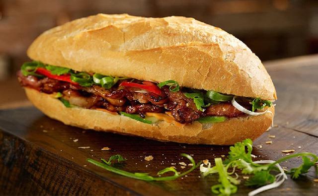 Bánh mì kẹp thịt gây tim mạch