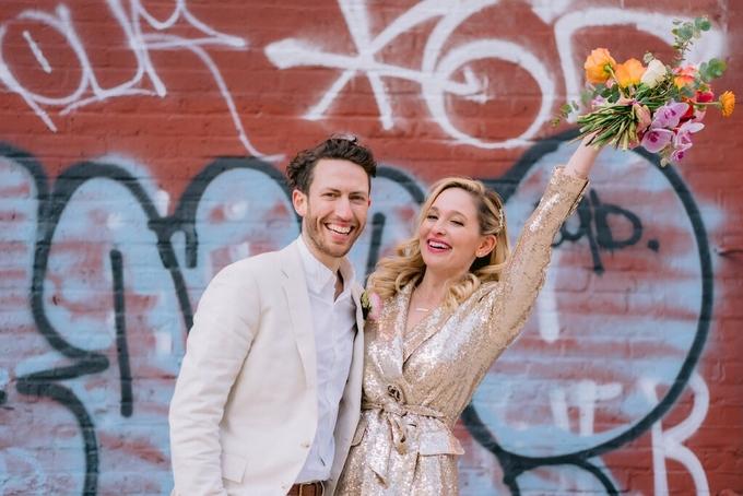 Cả hai đã phải hoãn lễ cưới vì dịch Covid-19 (Ảnh:  Nytimes)