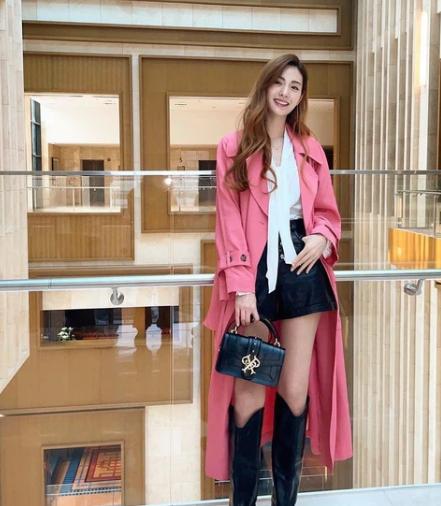 Học ngay 9 cách diện áo blouse của sao Hàn bạn sẽ có khối ý tưởng mặc đẹp cả tuần
