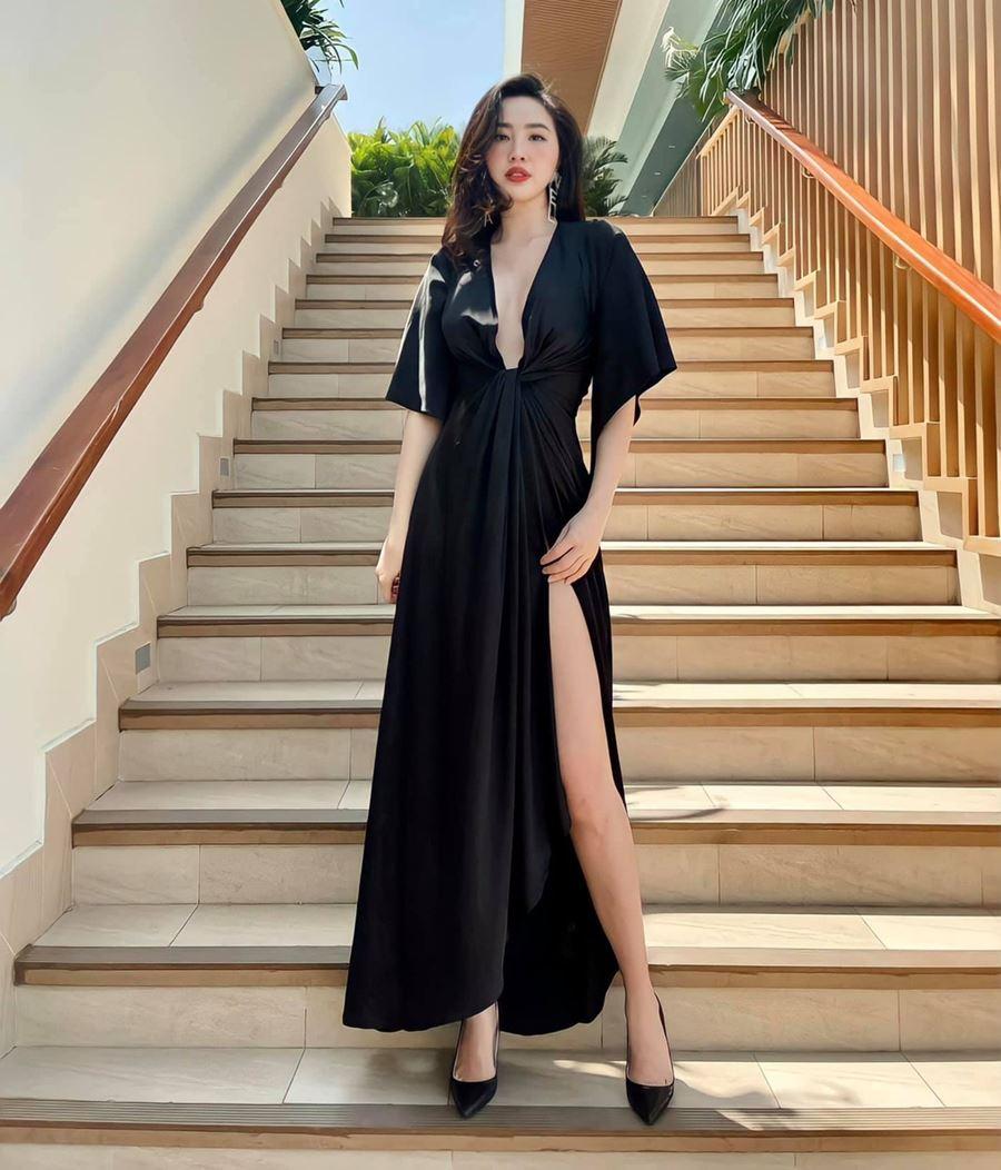 """Street style sao Việt: Bảo Thy diện váy cắt xẻ táo bạo, Ngọc Trinh lên đồ sành điệu """"chất lừ"""""""