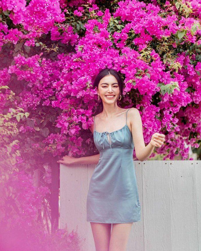"""""""Ma nữ xinh đẹp nhất Thái Lan"""" mách bạn cách mặc váy lụa không lộ thân hình cò hương"""