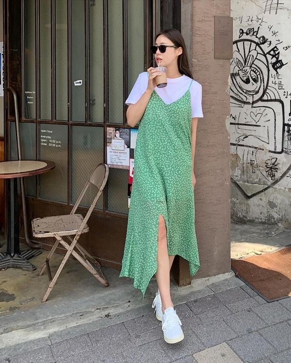 Gợi ý 10 cách mix áo phông như hội gái Hàn, diện đi làm hay du lịch đều đẹp hết nấc