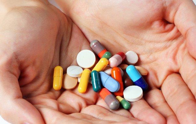 Uống nhiều thuốc gây hại gan thận