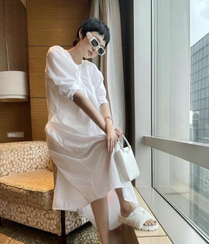Sao Việt mặc đẹp tuần qua: Hà Hồ táo bạo hết cỡ, Tiểu Vy diện áo cut out thu hút mọi ánh nhìn
