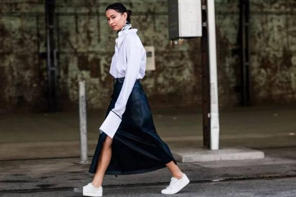 Gợi ý cách mix váy và giày trắng đẹp, phong cách như gái Pháp, đảm bảo nổi bật mọi nơi