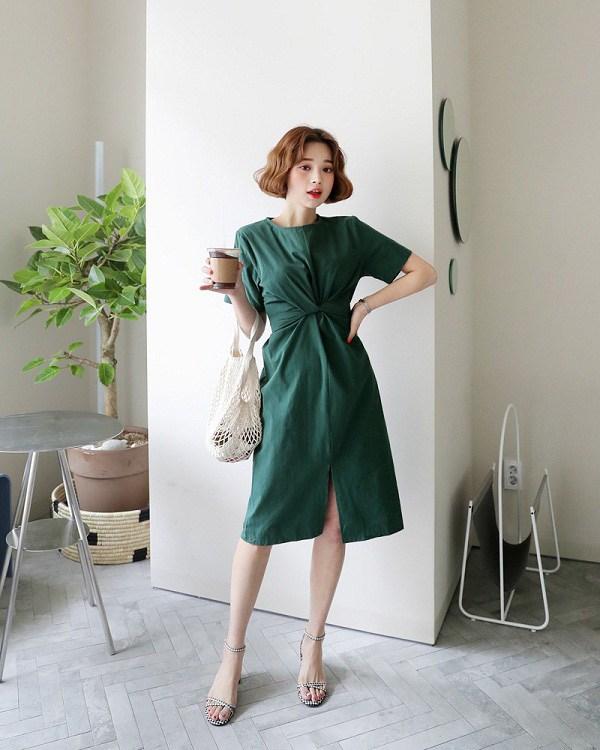 4 mẫu váy hè sành điệu chị em công sở có thể thoải mái diện chẳng lo sến sẩm