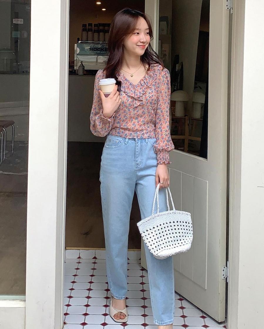 Gái Hàn lăng xê mẫu quần jeans xịn sò hơn cả skinny lại hack dáng tuyệt đối