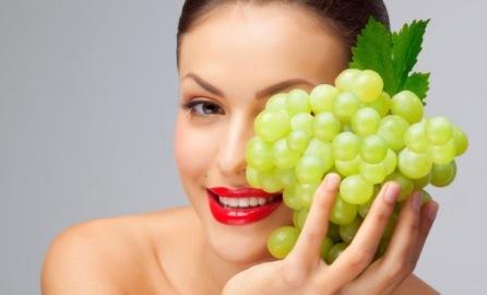 Gợi ý 6 mẹo làm đẹp da, ngăn ngừa lão hóa từ quả nho