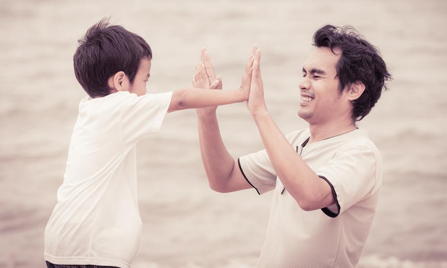 4 lợi ích bất ngờ khi bố gần gũi con, đặc biệt là hành động số 1