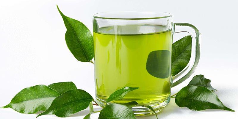 Uống trà xanh sau bữa ăn