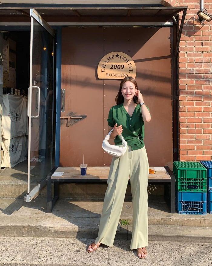 Học gái Hàn mix đồ đồng màu nhàn tênh nhưng hiệu quả sành điệu tăng gấp bội