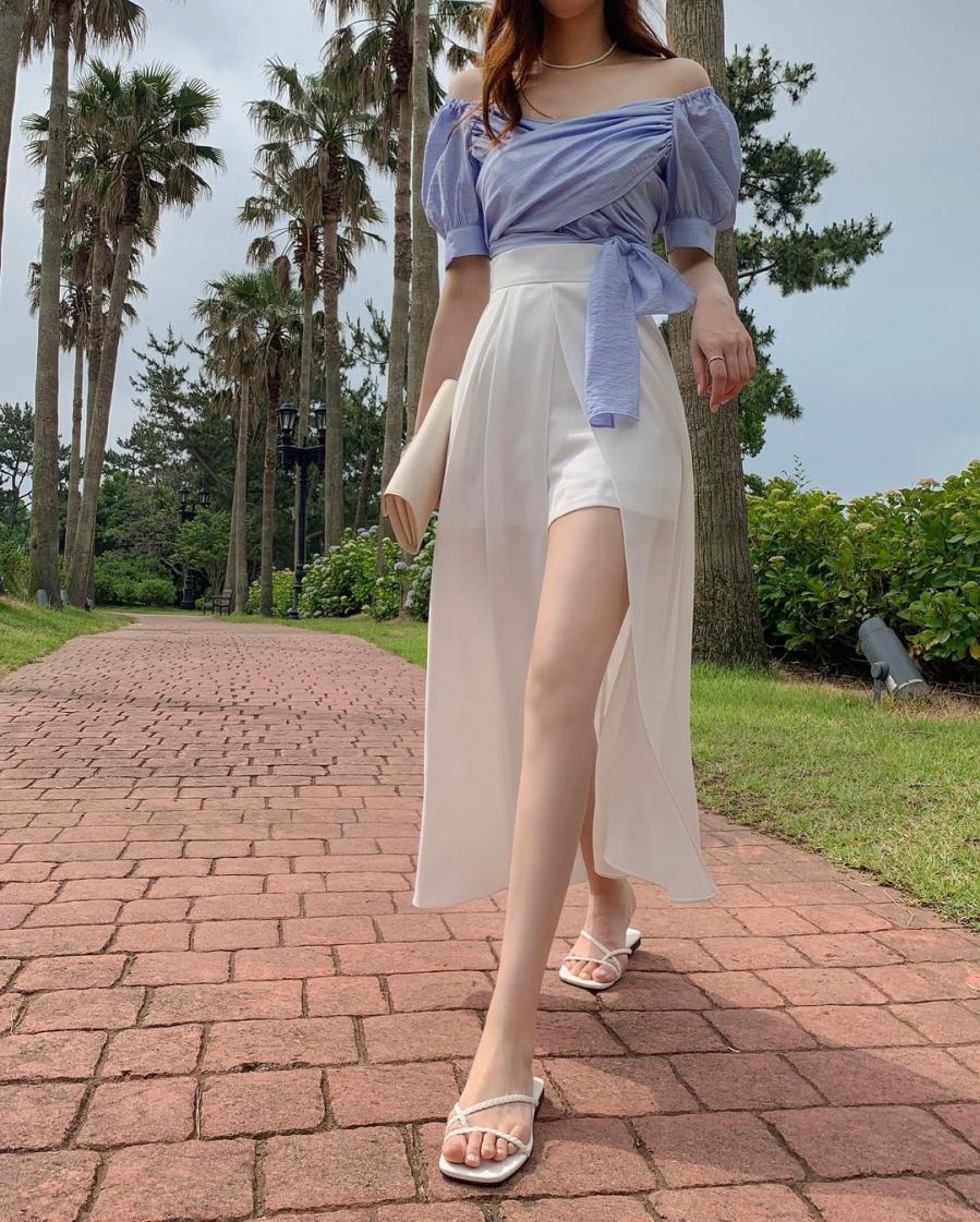 """Đây chính là chân váy """"hô biến"""" chiều cao từ 1m50 trông như 1m70 tha hồ """"sống ảo"""""""