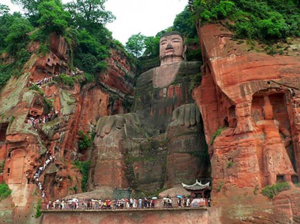 Bí mật về bức tượng Phật lớn thứ 2 thế giới đột nhiên xuất hiện sau 700 năm