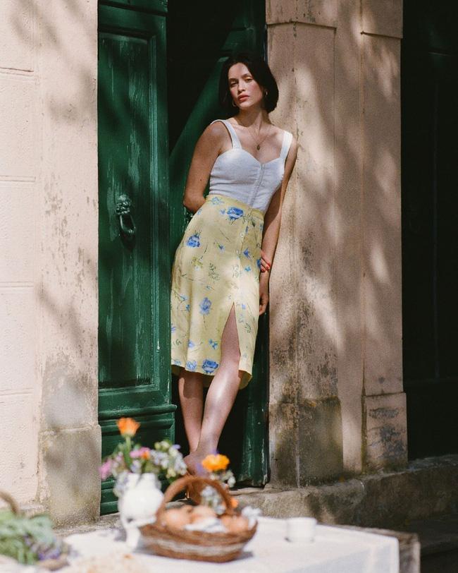 Học gái Pháp diện chân váy dài, bạn sẽ luôn nổi bật hơn hẳn là nhờ bí kíp này