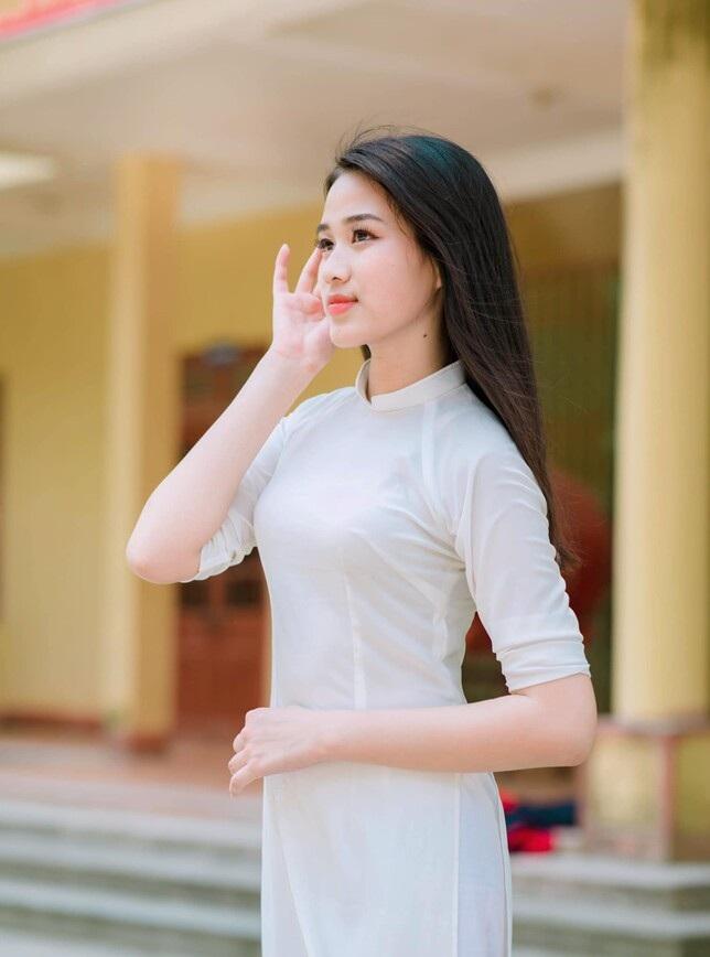 Đỗ Thị Hà nhớ về thời điểm cách đây 2 năm: 'Không đỗ đại học chắc đã ở quê lấy chồng'