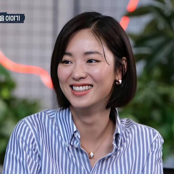 Mỹ nhânVincenzo- Jeon Yeo Bin chiếm được cảm tình của khán giả nhờ vẻ đẹp rất riêng của mình. Với nhan sắc cá tính, những tưởng Yeo Bin sẽ