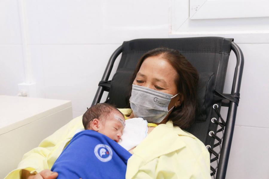 Sức khỏe của hai em bé ổn định.