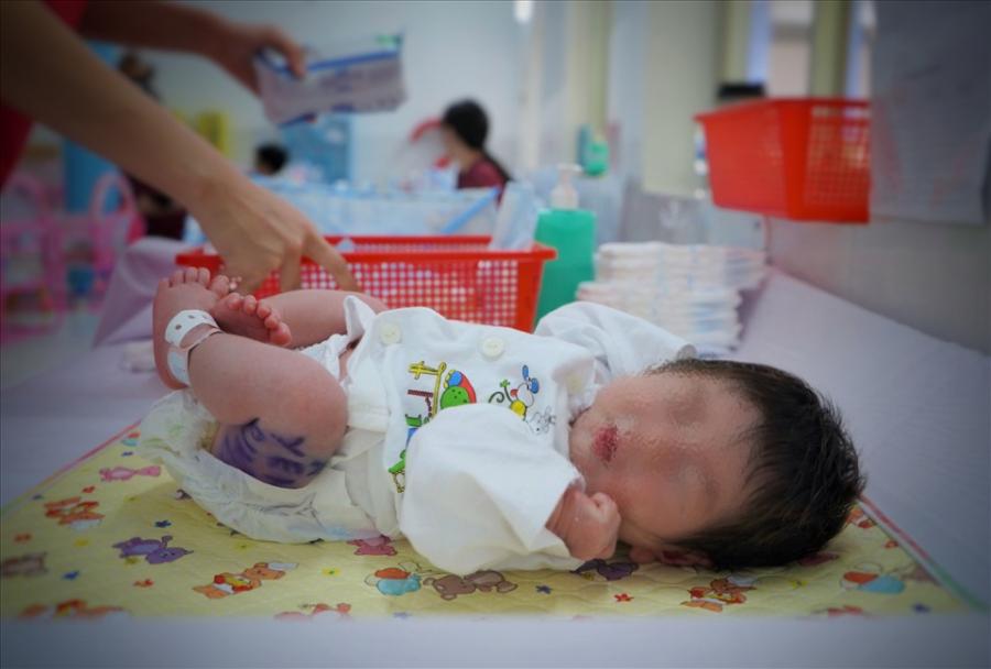 Những em bé có mẹ F0 sẽ được hỗ trợ (Ảnh Internet)