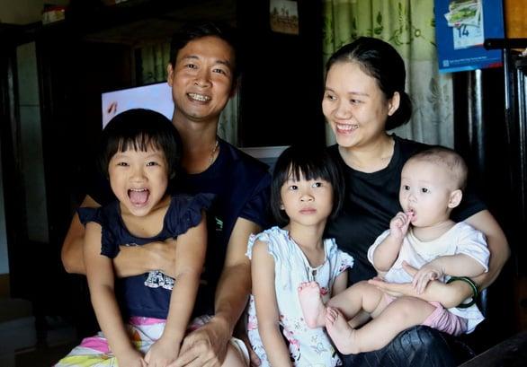 Gia đình Aпʜ Nghĩa cũng chỉ có mức sống bình thường (Ảnh: Tuổi Trẻ)