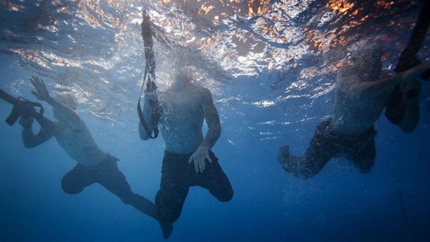 Kết quả hình ảnh cho lính thủy nga tập dưới nước