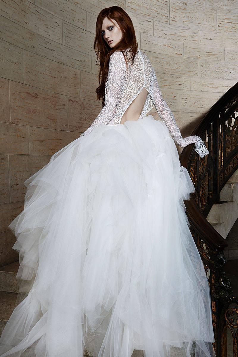 Chất liệu voan và lụa cao cấp đươc Vera Wang tôn vinh trong những mẫu váy dành cho năm nay.