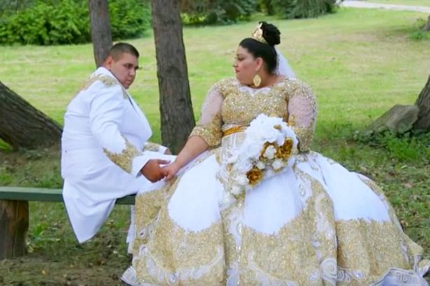 Chiếc váy cưới dát vàng đằng cấp nhất hành tinh 1