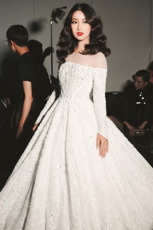 Hoa hậu Mỹ Linh diện váy cưới đẹp lộng lẫy 4