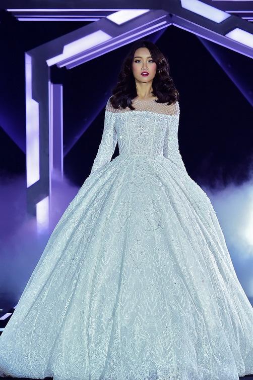 Hoa hậu Mỹ Linh diện váy cưới đẹp lộng lẫy 7