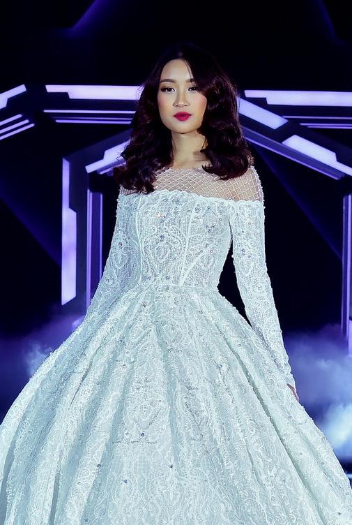 Hoa hậu Mỹ Linh diện váy cưới đẹp lộng lẫy 8