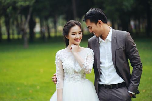 Thời điểm Kiều Oanh và Duy Nhân hạnh phúc chụp ảnh cưới.