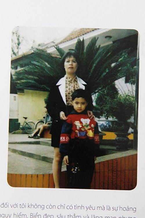 Trước Hương Giang, bố mẹ cô có một người con gái. Vậy nên cả gia đình đã rất mong đó là một bé trai, để