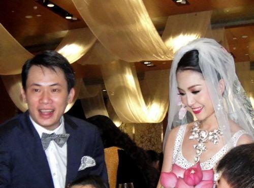 Linh Nga hạnh phúc trong ngày cưới