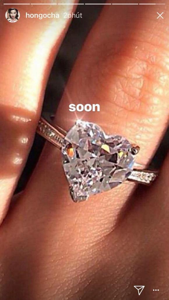 Hồ Ngọc Hà khoe chiếc nhẫn kim cương