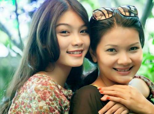 Diễn viên Kiều Trinh và con gái Thanh Tú