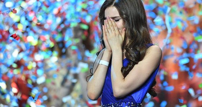 Tân Hoa hậu Nga 18 tuổi, sở hữu chiều cao 1m76.