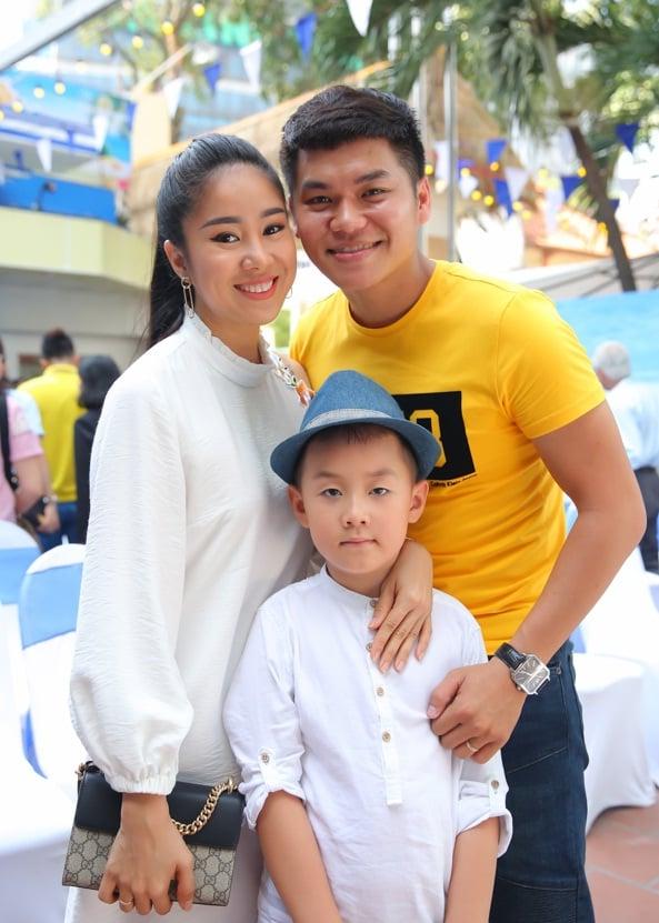 Gia đình hạnh phúc hiện tại của Lê Phương và ông xã Trung Kiên